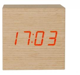 Alarmklok mini cube led in donker of lichtbruin hout klokken officeknallers voor al uw - Cube nachtkastje ...